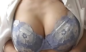 Mature japanese babe goes in nature's garb and gets floppy tits played