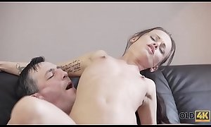 OLD4K. Lovely chick wasn&#039_t against sex with handsome old guitarist
