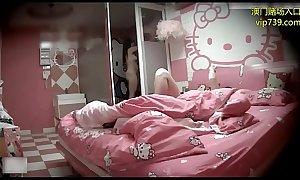 360水滴之008-丰满漂亮的美女刚进房间就迫不及待想要,把男友弄硬自己坐在上面